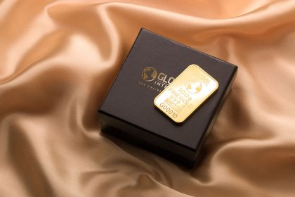 سرمایه گذاری در بانک یا خرید طلا ؟ فرق این دو در چیست؟