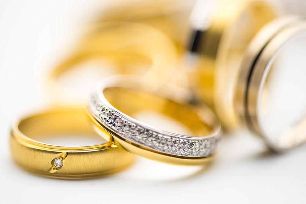 سرمایه گذاری در بانک یا خرید طلا